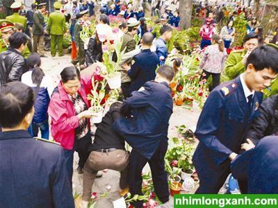 Sự tinh tế nay còn đâu, văn hóa người Hà Nội được người Việt Nam  trên khắp thế giới cảm nhận qua những hình ảnh như thế này đây...